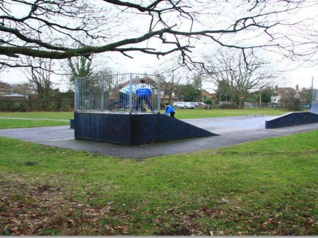 https://burghfieldparishcouncil.gov.uk/wp-content/uploads/2021/03/Skate-Park-Picture-1280x662-1-640x480.jpg